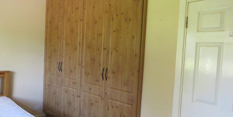 Bed 2 wardrobe