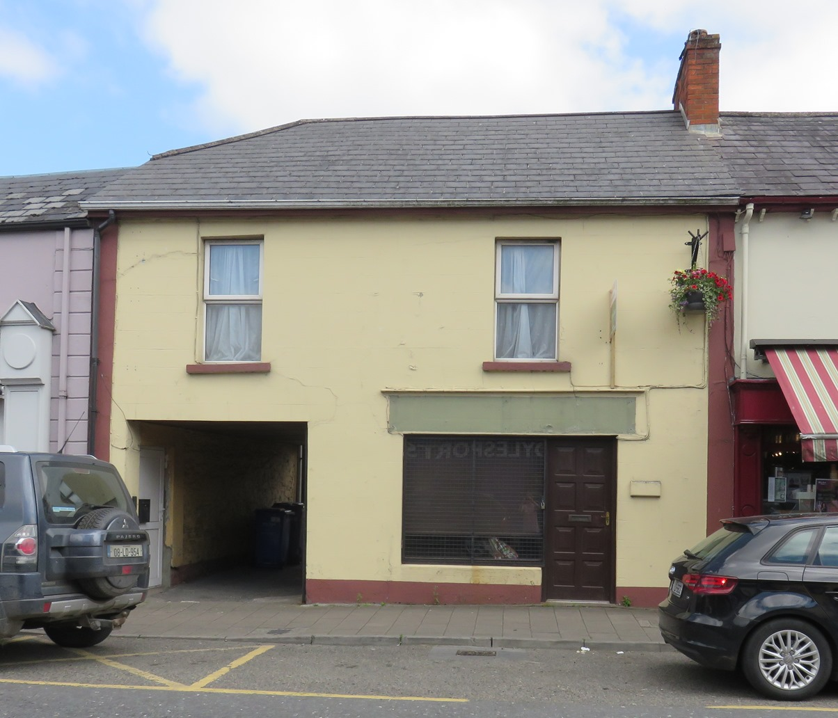 BRIDGE STREET, COOTEHILL, CO. CAVAN H16 P766